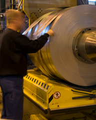Acheter Sheets, coils and strip from rolling mills.