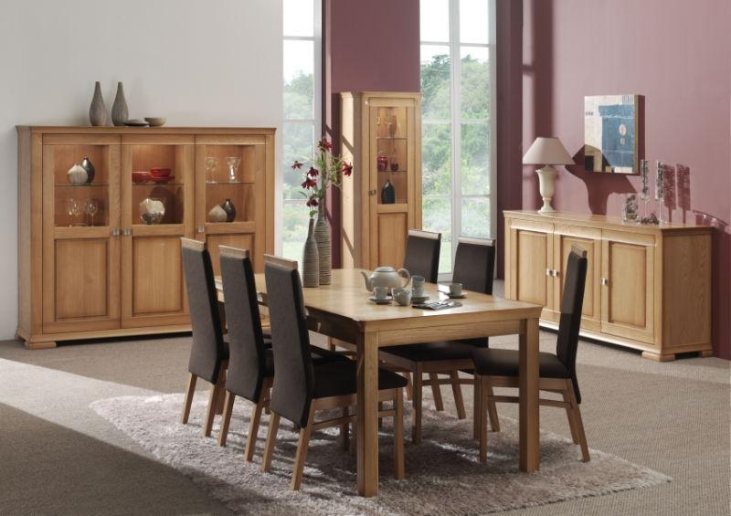 meubles pour la salle manger en malle dans les magasins