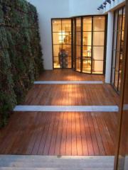 Revêtement en bois pour bardages et terrasses
