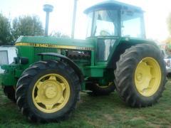 Tracteur JOHN DEERE 3140