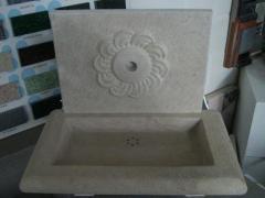 Laves mains en pierre