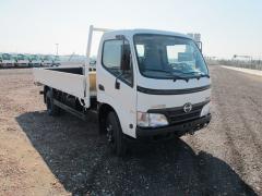 Vehicule Hino 300