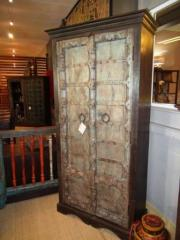 Armoire portes anciennes DSCN4327