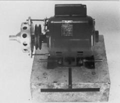 Motor For Bruting Machine On Concrete Bloc + Foot