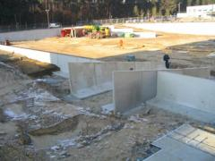Concrete elements  for use in earthworks