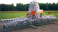 Slurry distribution systems