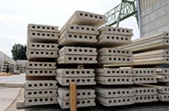 Panneaux creux en béton gris