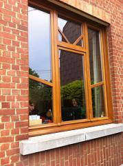 Сhâssis de fenêtre en bois