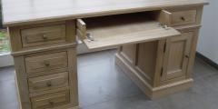 Bureau en bois d'haute qualite