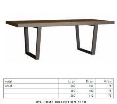 Table Arles