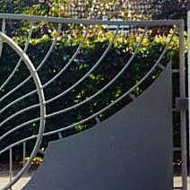 Metallic gates